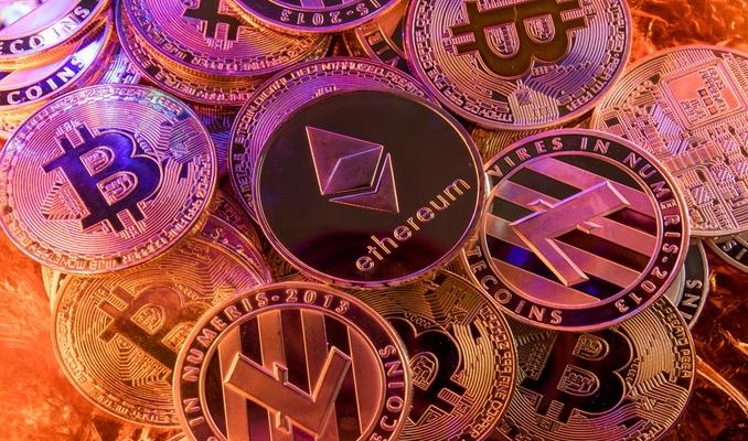 Altcoin'ler hareketlendi: AVAX güçlü yükseldi Bitcoin